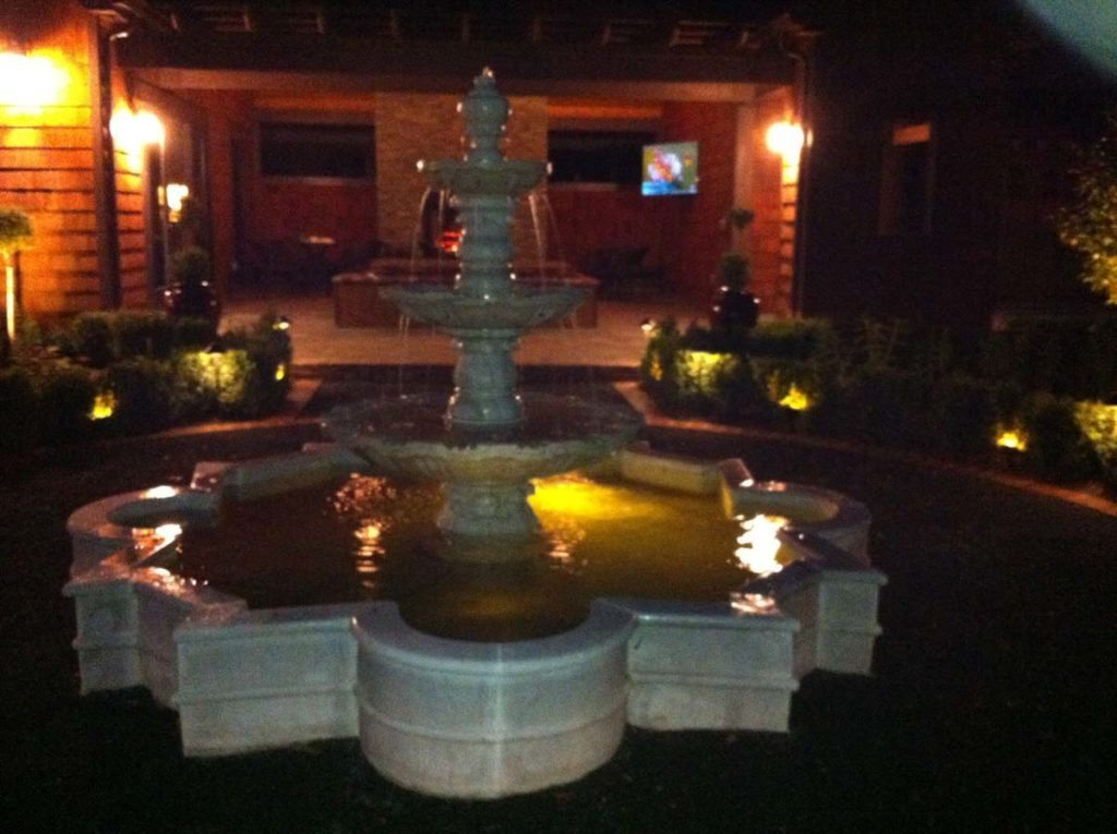 salem fountain night lighting landscape design