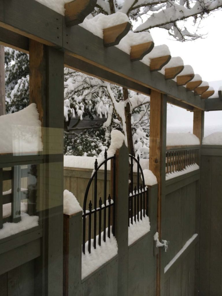 carpentry with snow landscape design 4