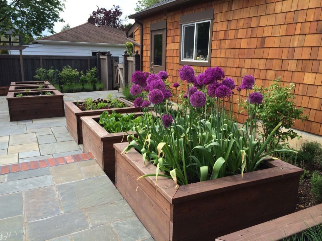 bluestone courtyard and raised beds in salem oregon 4