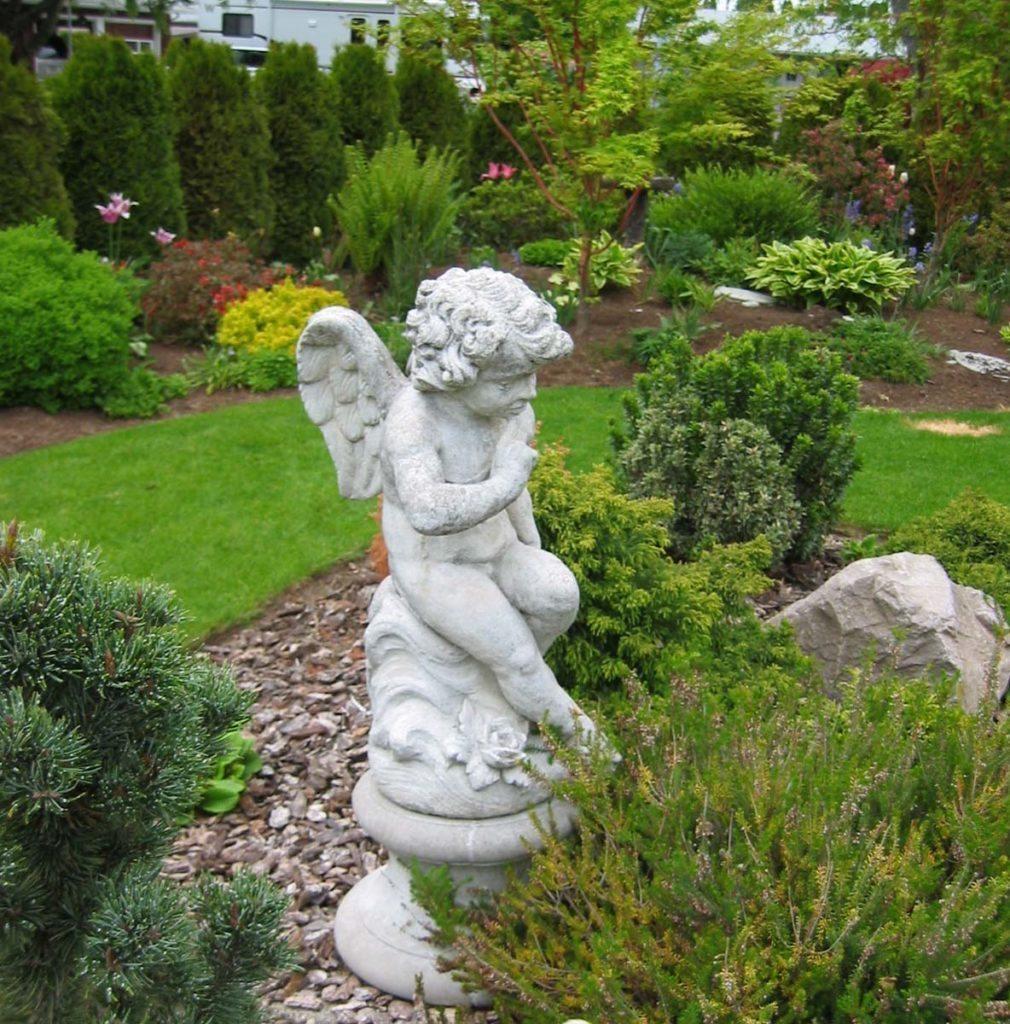 cherub statuary in landscape design in salem oregon