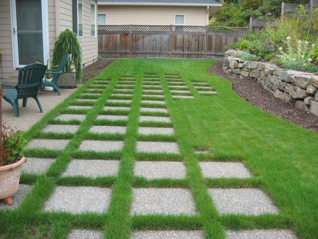 architectural pavers in lawn landscape design
