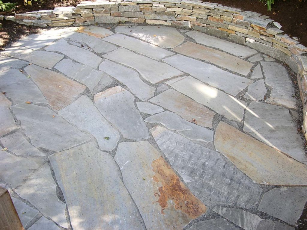 flagstone and ledgestone wall in salem