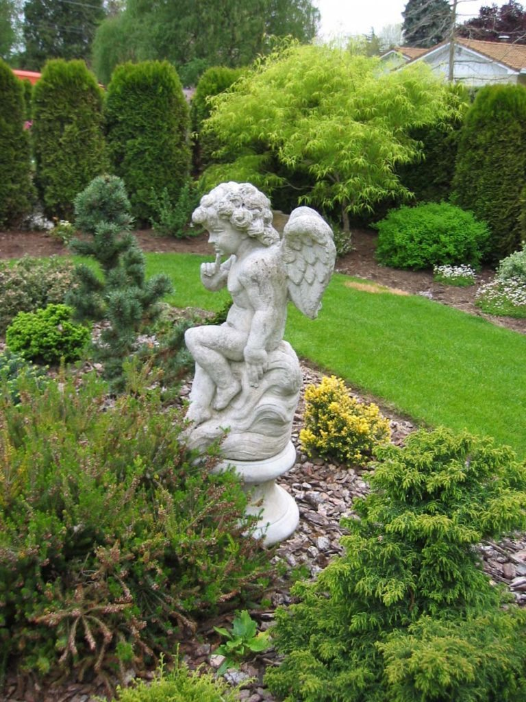 cherub statuary in landscape design in salem oregon 2