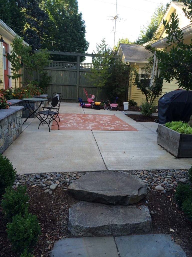 courtyard with outdoor living landscape design 2