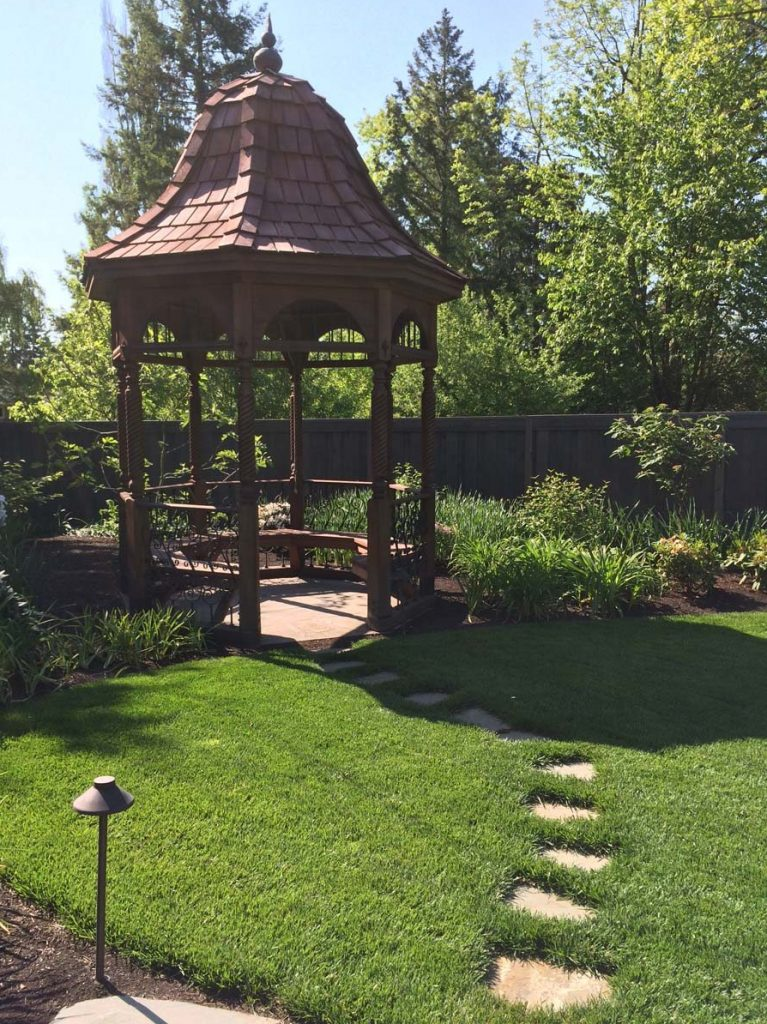 gazebo detail railing and floor in salem oregon 3
