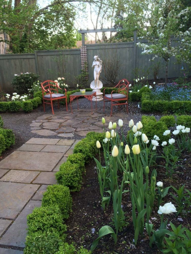 statuary aphrodite with landscape design 3