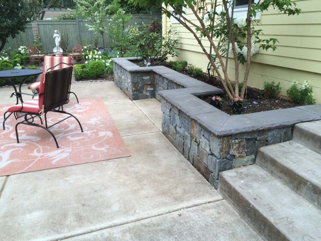 seat wall and planter area in couryard landscape design 2