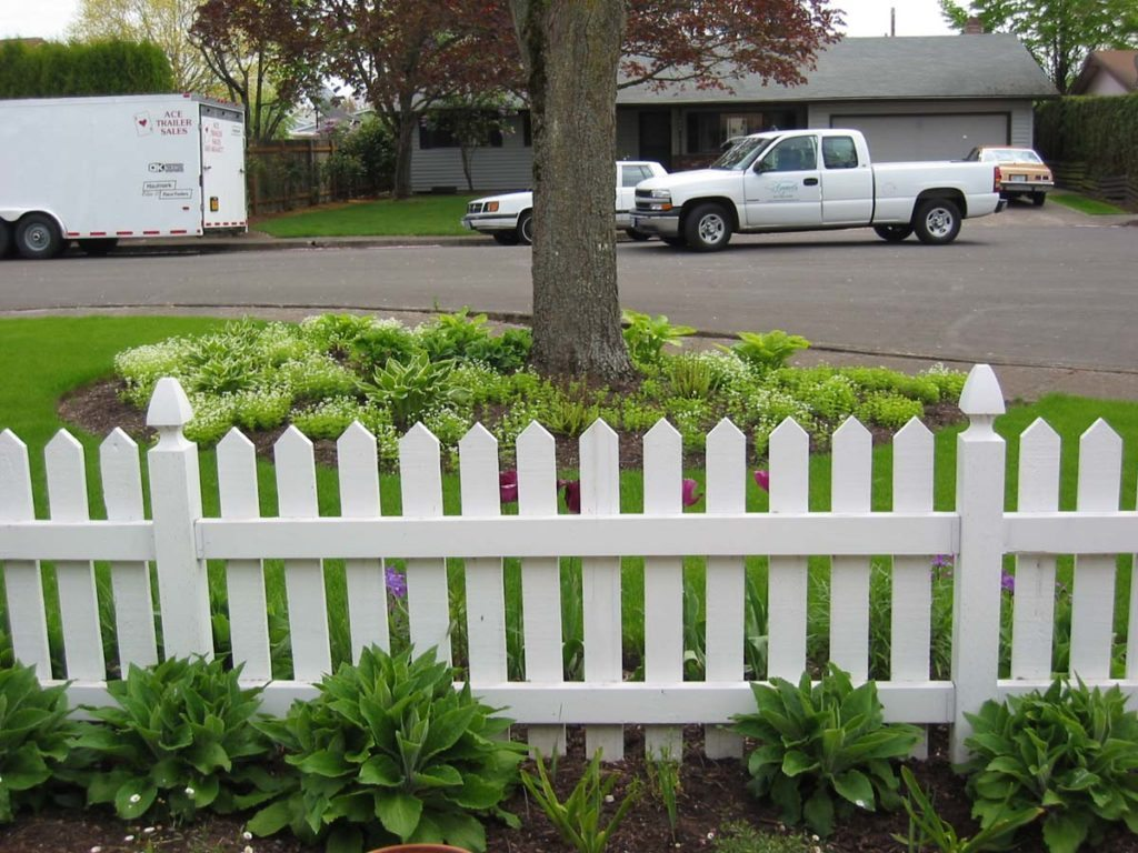 picket fencing landscape design