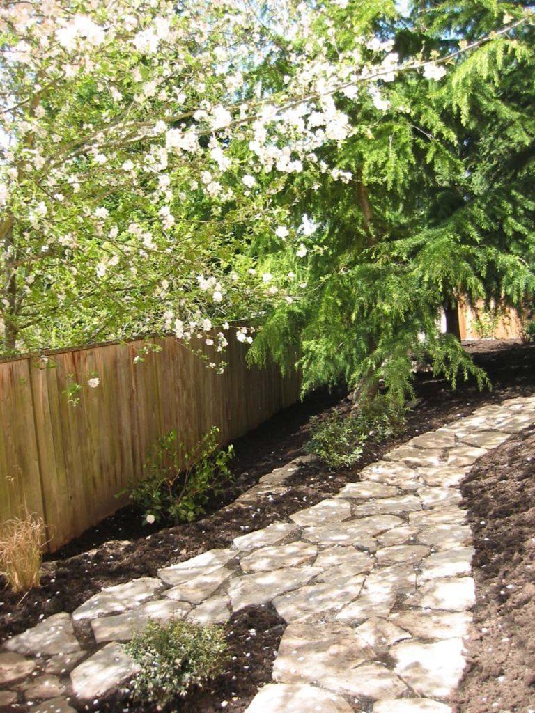 split stone pathway landscape design