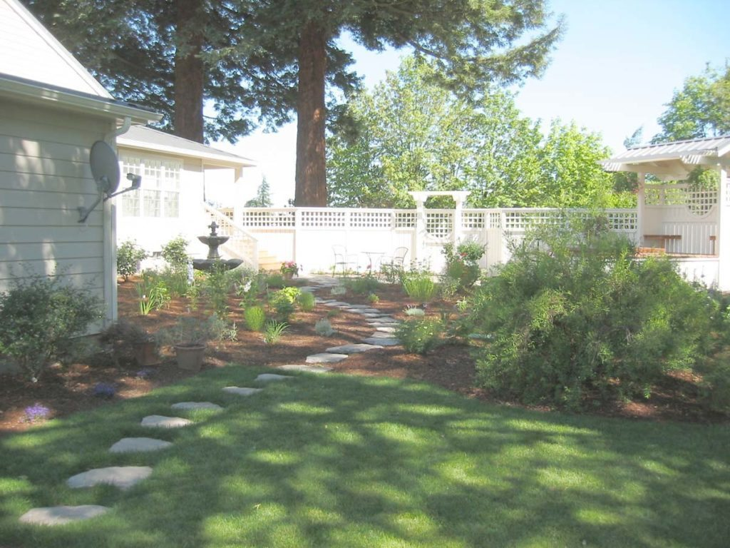 split stone pathway landscape design in gervais oregon