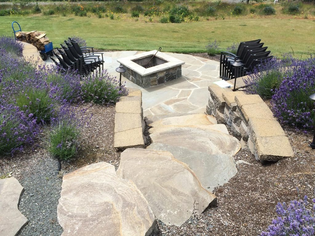 courtyard patio with outdoor living landscape 4