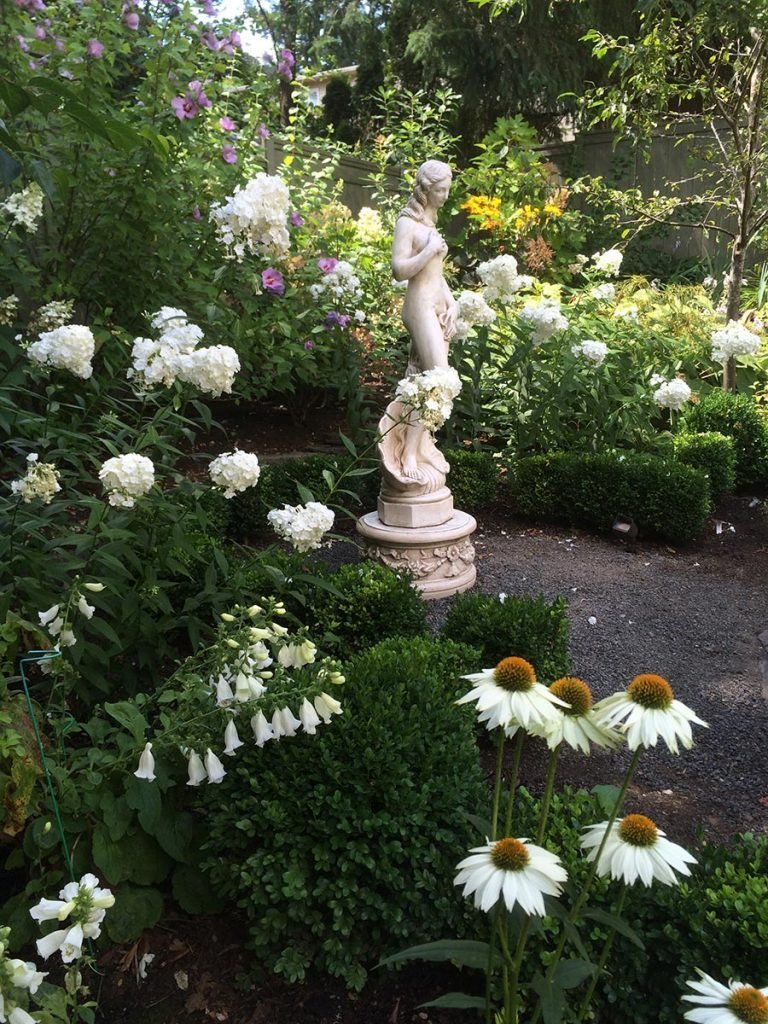 statuary aphrodite with landscape design 5